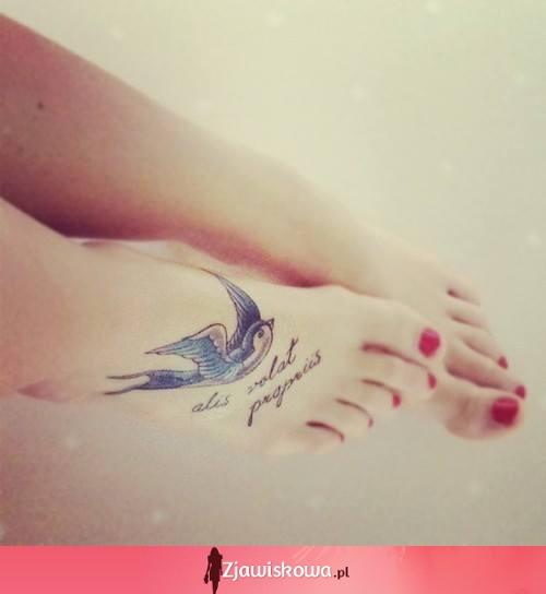 Zjawiskowapl Tatuaz Na Stopie Bardzo ładny